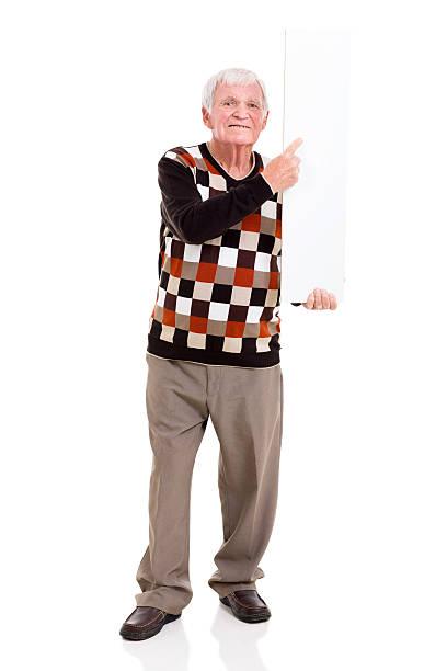 Hombre señalando en pizarra blanca - foto de stock