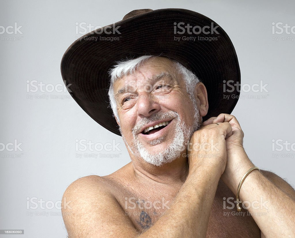Velho homem com chapéu - foto de acervo