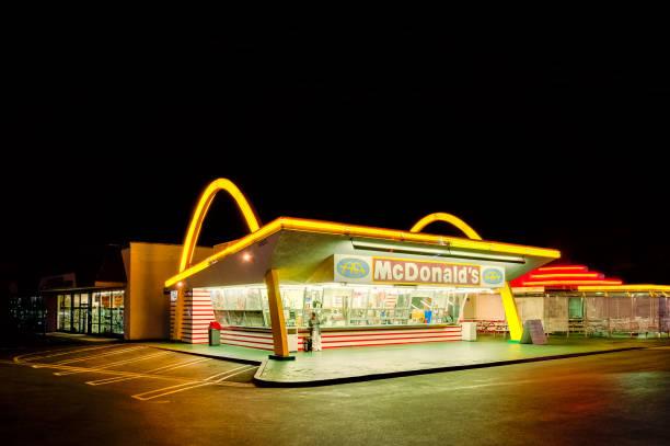 old mcdonald's restaurant in downey, los angeles, california, usa - mcdonalds стоковые фото и изображения