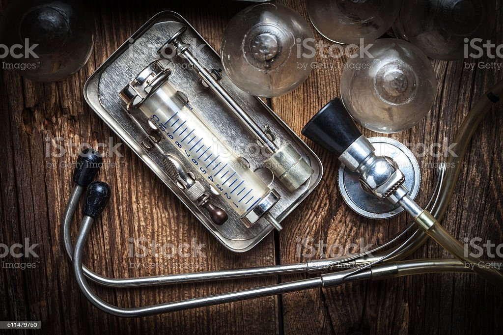 Alte medizinische Instrumente. – Foto