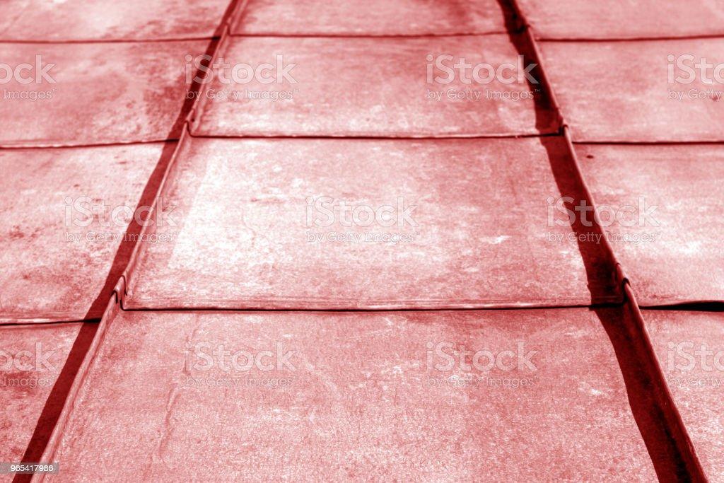 Alte Metall-Dach in Rot-Ton. - Lizenzfrei Alt Stock-Foto