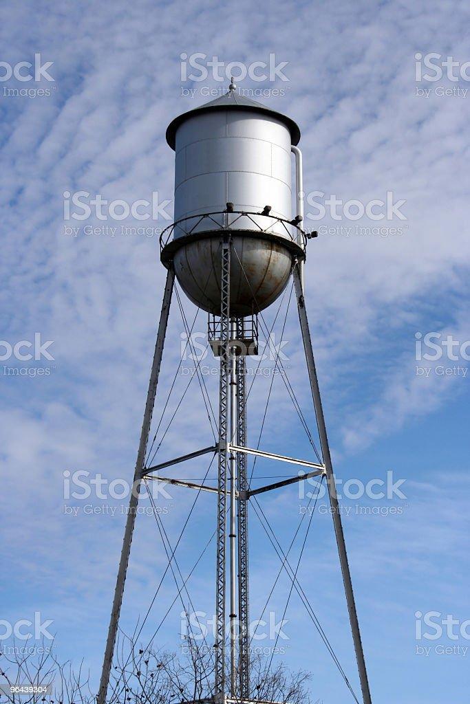 Torre de água Metal velho - Foto de stock de Antigo royalty-free