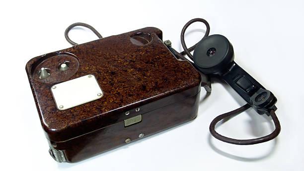 Antigo telefone militar - foto de acervo