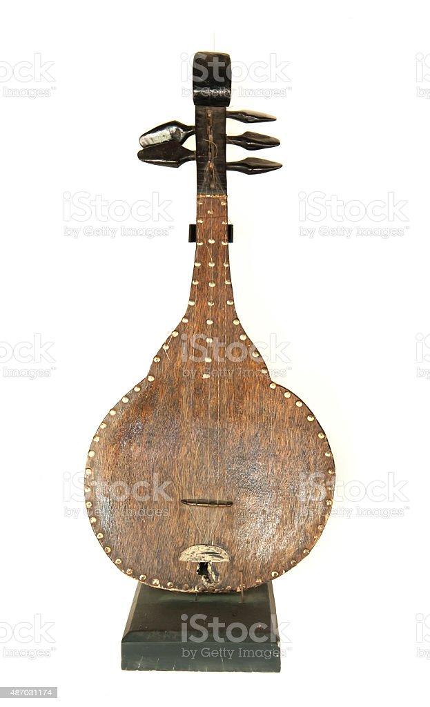 Alte Musikinstrument-Mandoline, isoliert auf weißem Hintergrund – Foto