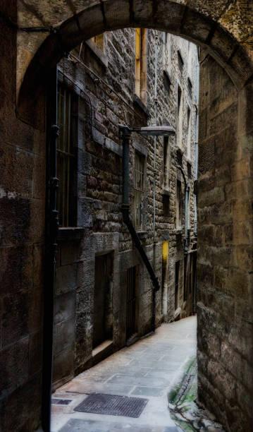alte, schmale Passagen von Edinburgh, Schottland – Foto