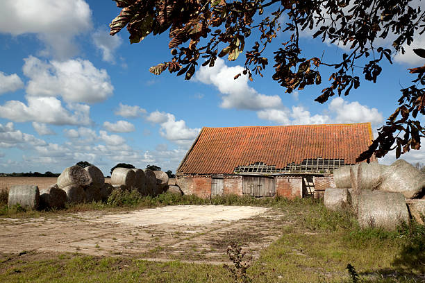 Vieille Grange avec paille bales de Norfolk - Photo