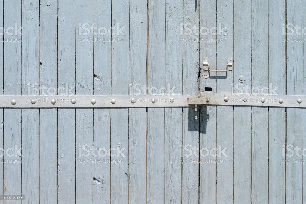 Porta de madeira velha pintada - foto de acervo