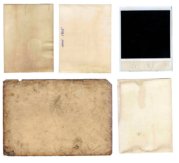 alte papiere set, isoliert auf weißem hintergrund - kollagenblätter stock-fotos und bilder