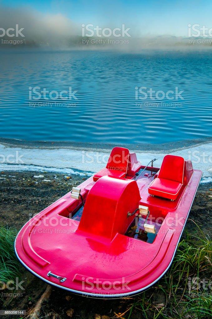 Bote a pedal antiguo - foto de stock