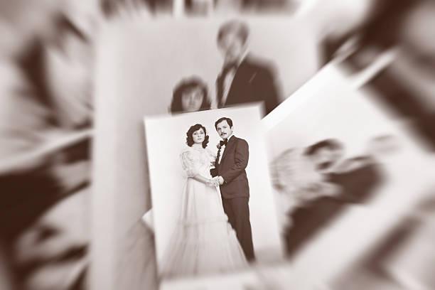 altes foto paare - hochzeitsbilder stock-fotos und bilder