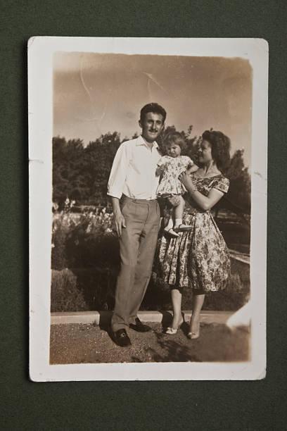 old imagen - sepia imagen virada fotografías e imágenes de stock