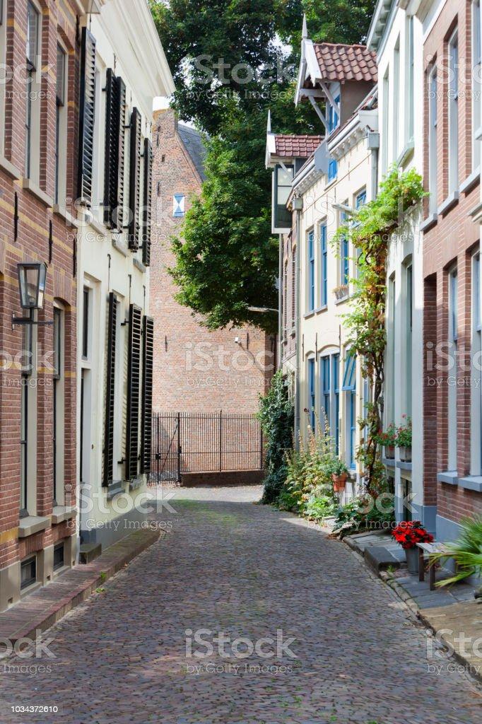 Oude pittoreske straat in de stad centrum van Zutphen foto