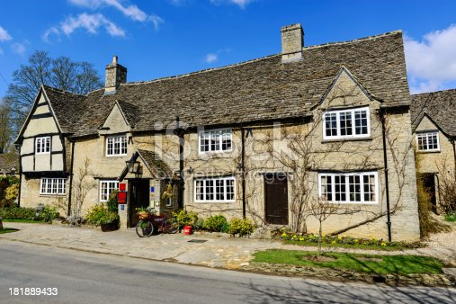 istock Old Pub in Minster Lovell, Oxfordshire, England 181889433