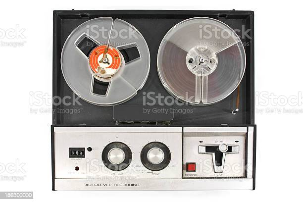 Old reel tape recorder top view picture id186300000?b=1&k=6&m=186300000&s=612x612&h=3ha8zuttb6 qvskapogrldmnp8gurignfolgvqf qz0=