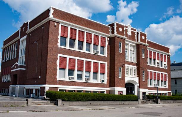 alte renovierte katholische schule - vorschuldekorationen stock-fotos und bilder