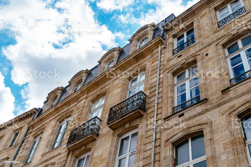 Vieux bâtiments résidentiels à Bordeaux en France - Photo