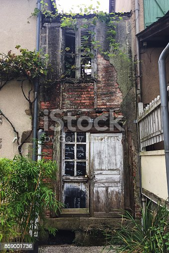 istock Old restaurant ruin in pittoresque french town 859001736