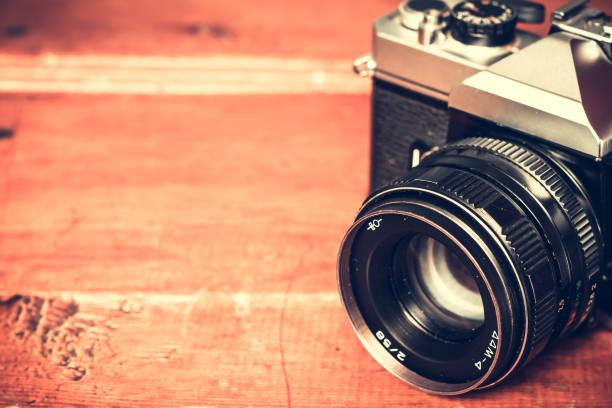 alten retro-vintage-kamera. vintage-effekt - fotografische themen stock-fotos und bilder