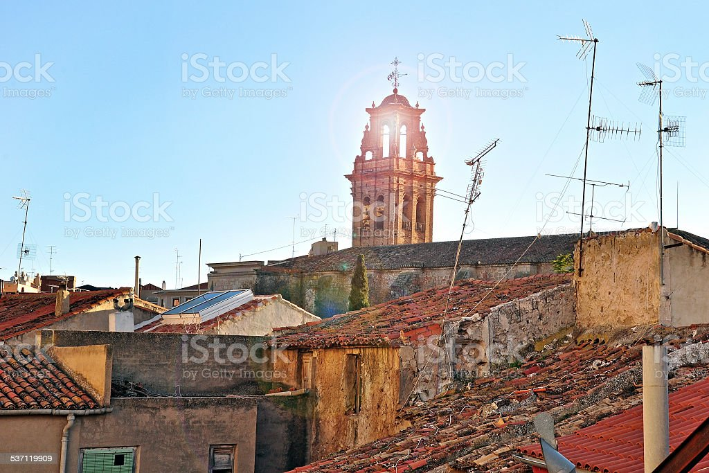 Vieux toit de Pueblo dans Almansa, l'Espagne et la vue - Photo