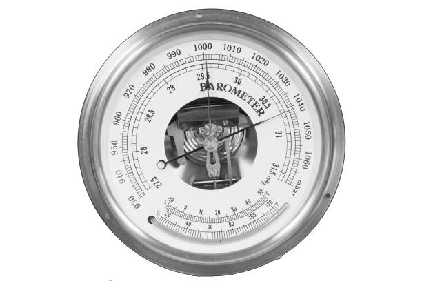 gamla runda barometer meter isoleras över vit bakgrund - barometer bildbanksfoton och bilder