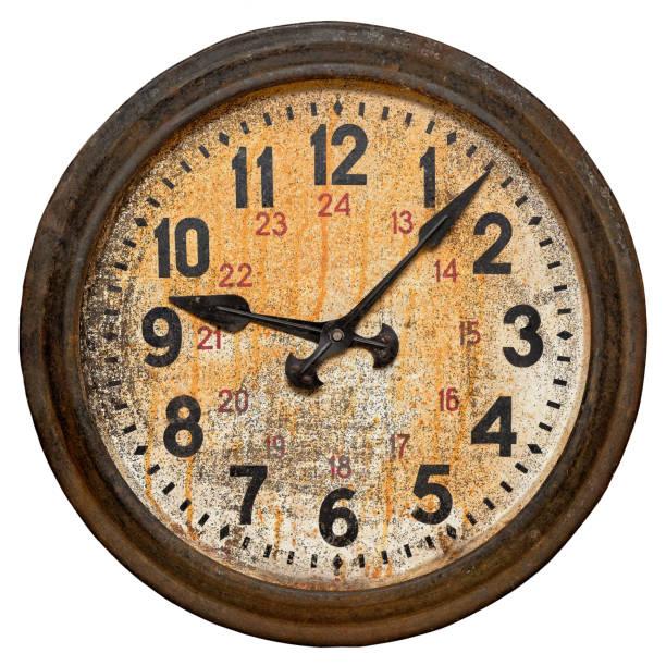 reloj de pared redondo antiguo - wall clock fotografías e imágenes de stock