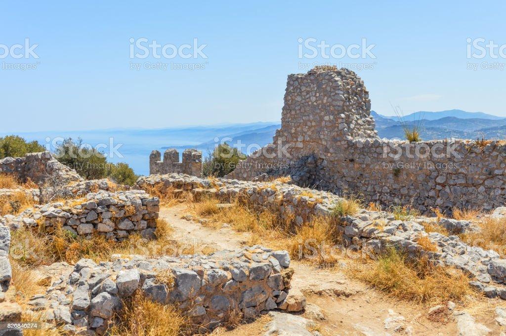 Old ruins along the Mediterranean coastline of Sicily, Italy - foto stock