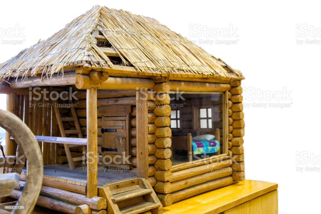 Vieille maison en bois rond rustique - Photo de Autriche libre de droits