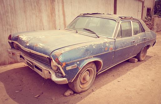Old Rusty Car 照片檔及更多 交通方式 照片