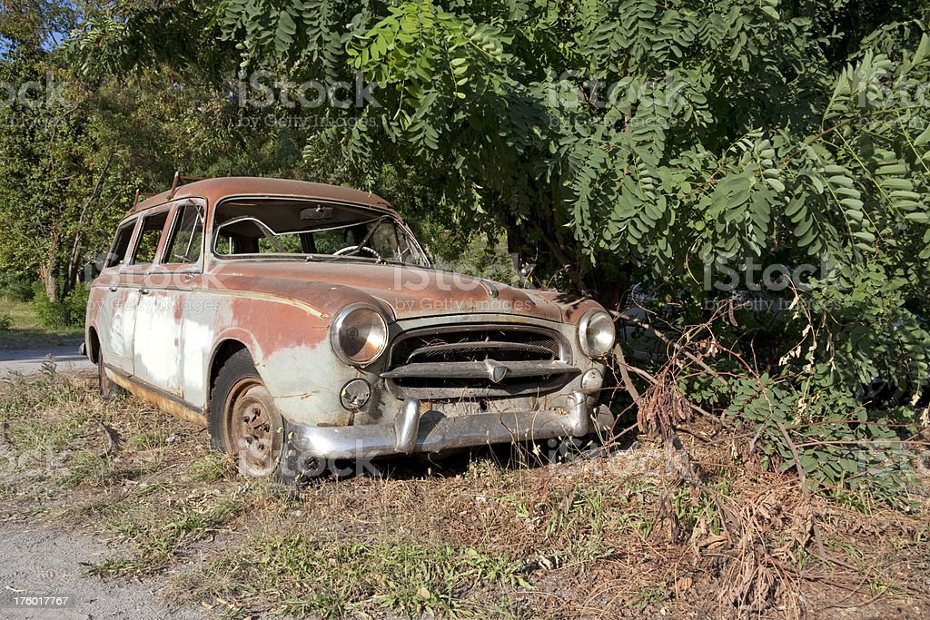 Old Rusty French Car Stock Photo & More Pictures of Abandoned | iStock
