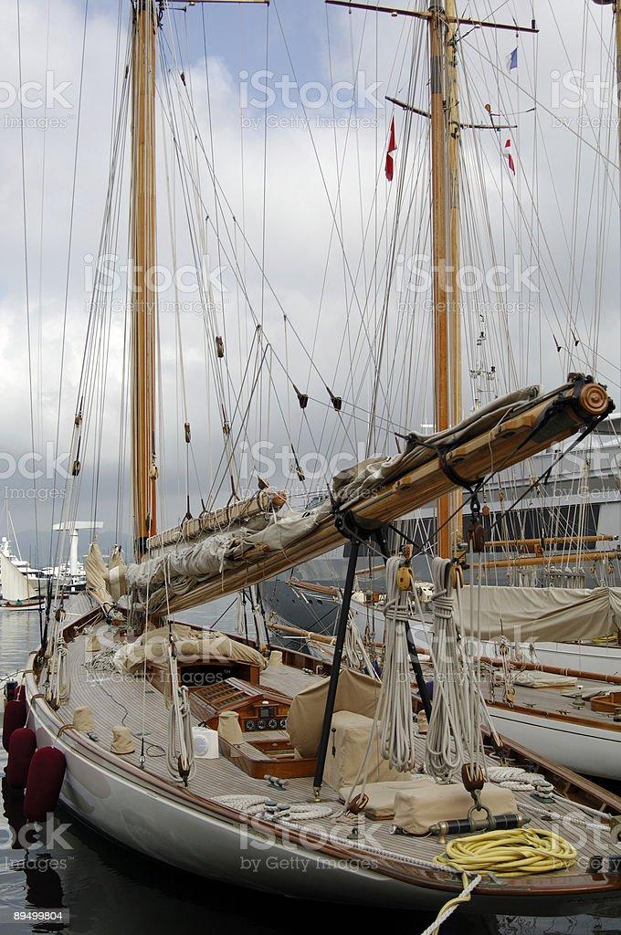 Vieux bateau à voile à ancre photo libre de droits