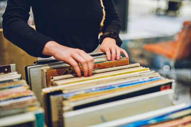 舊學校音樂是最好的音樂 - small business saturday 個照片及圖片檔