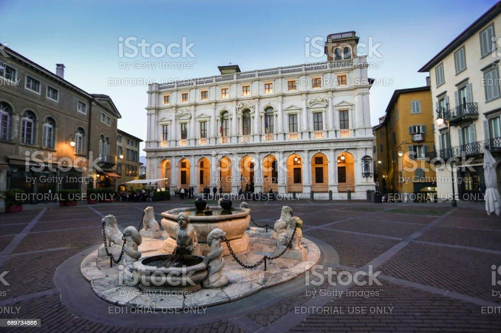 Plaza Vieja en Bérgamo - foto de stock
