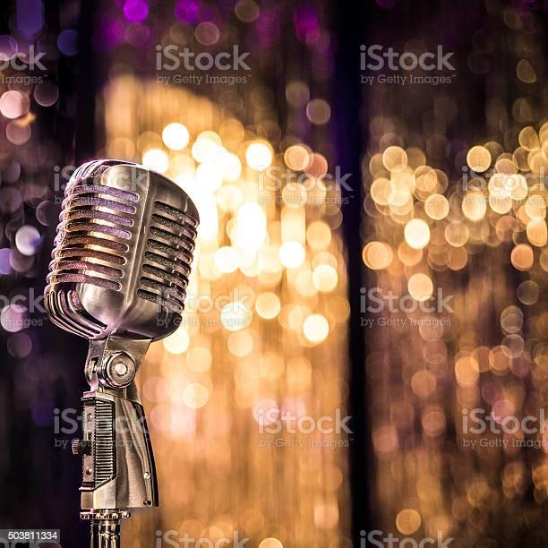 Old style concert microphone picture id503811334?b=1&k=6&m=503811334&s=612x612&h=klckdddtala06ooidcljruwlofioefsrpqoozjlw8ho=