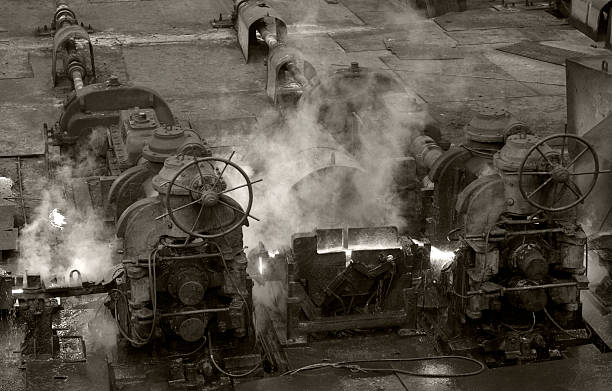 old style engines - industrial revolution stock pictures, royalty-free photos & images