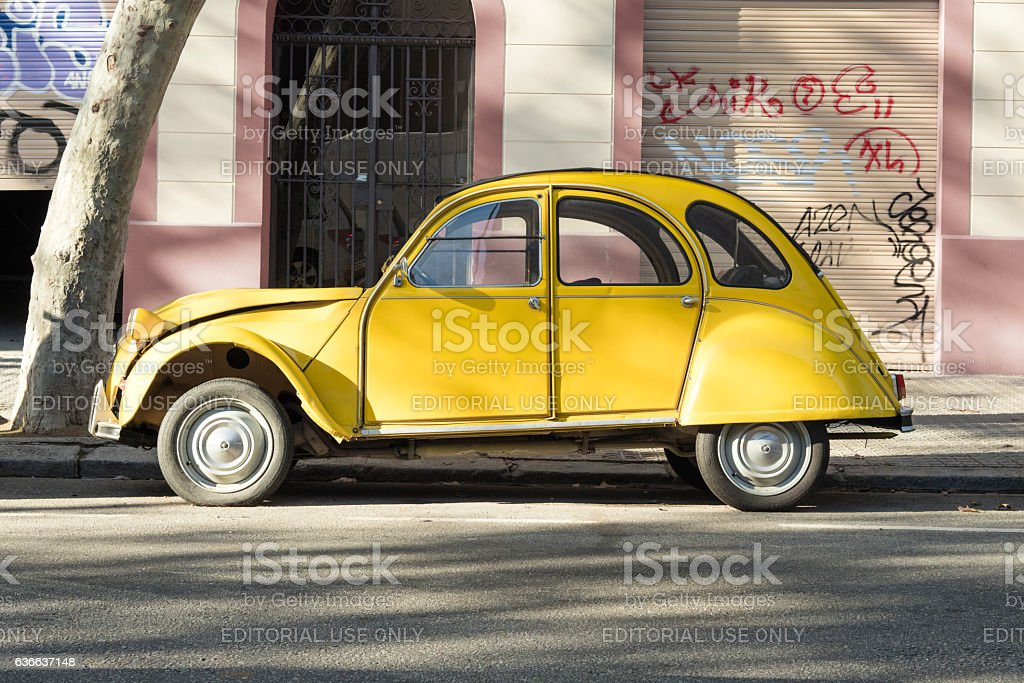 old timer car Citroen 2CV - Photo