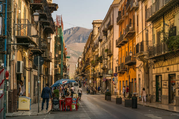 old town and old resedential buildings in city center, palermo, sicily, italy - palermo città foto e immagini stock