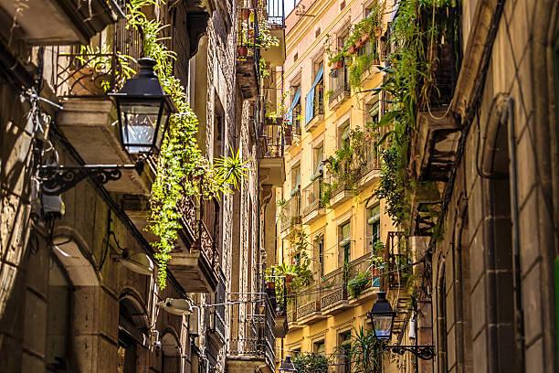 旧市街ゴチック地区のバルセロナ - 旧市街 ストックフォトと画像