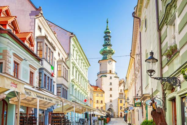 올드타운 브라티슬라바 슬로바키아 - 슬로바키아 뉴스 사진 이미지