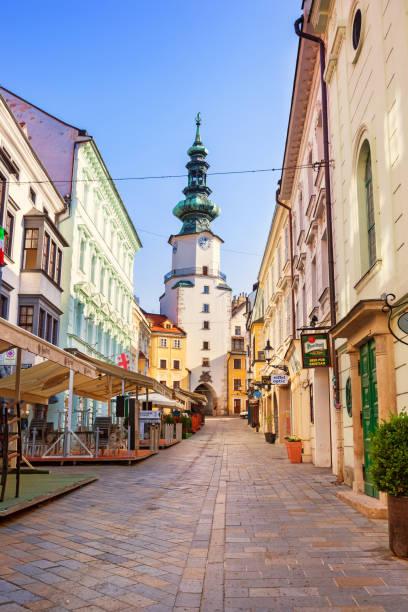 올드 타운 브라티슬라바 슬로바키아 - 슬로바키아 뉴스 사진 이미지