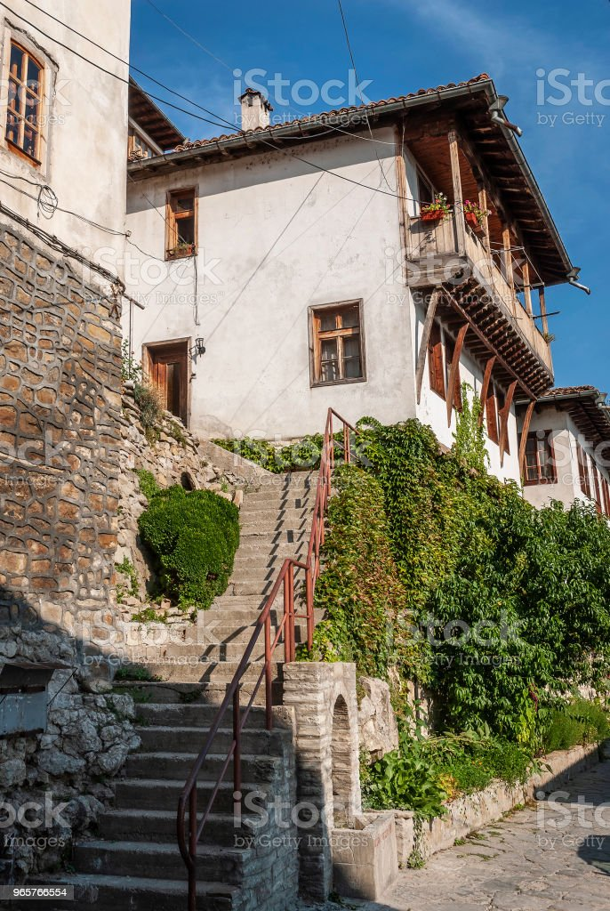 old town cobbled street and traditional houses view of veliko tarnovo bulgaria - Royalty-free Architecture Stock Photo