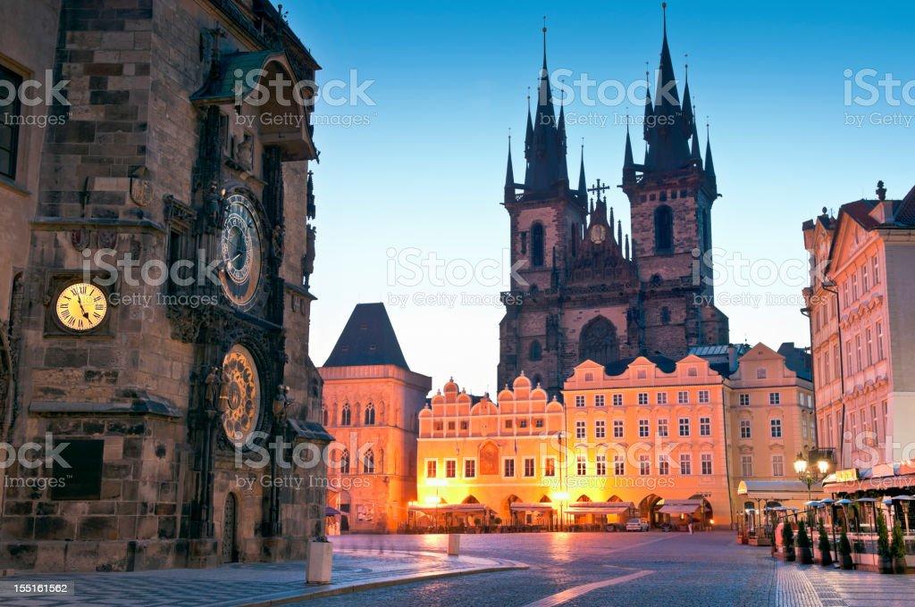 Old Town Hall Iglesia De Nuestra Senora De Tyn Prague Foto De Stock