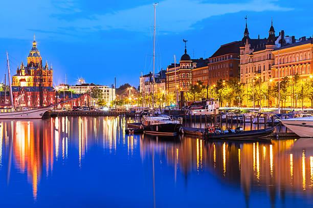 구도시 in helsinki, finland - 핀란드 뉴스 사진 이미지