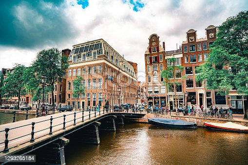 istock Old town of Amsterdam 1293265184