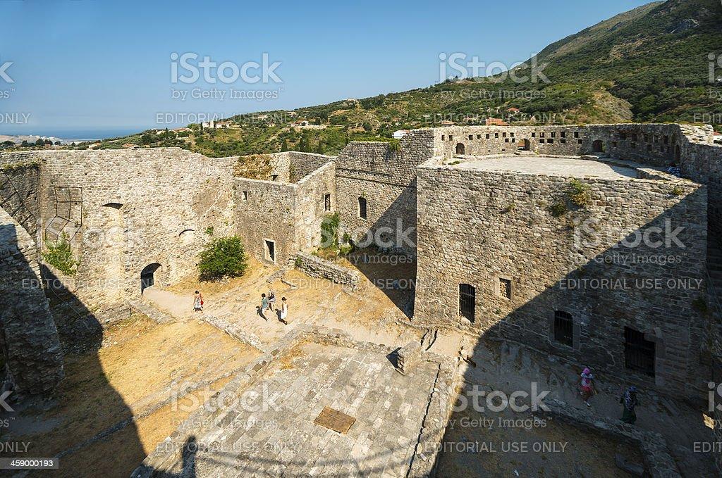 Ciudad antigua de Bar dentro de la fortaleza - foto de stock