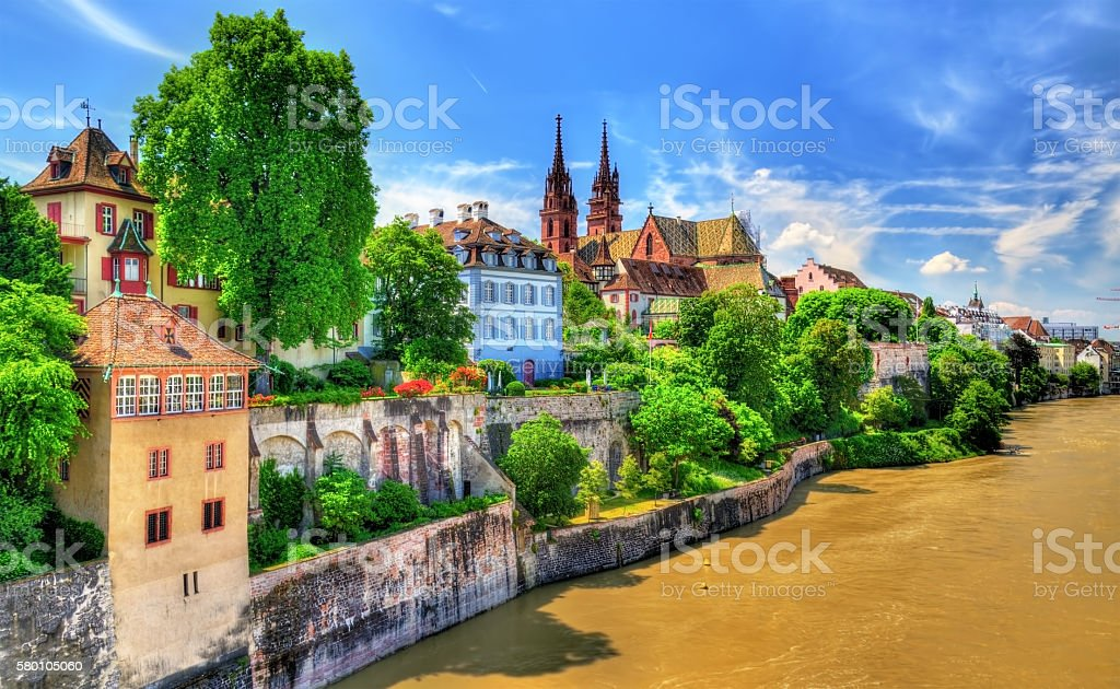 Old town of Basel with the cathedral above the Rhine – Foto
