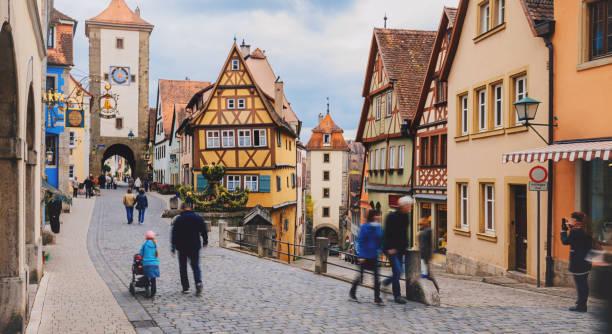 old town of rothenburg ob der tauber, germany - buona pasqua in tedesco foto e immagini stock