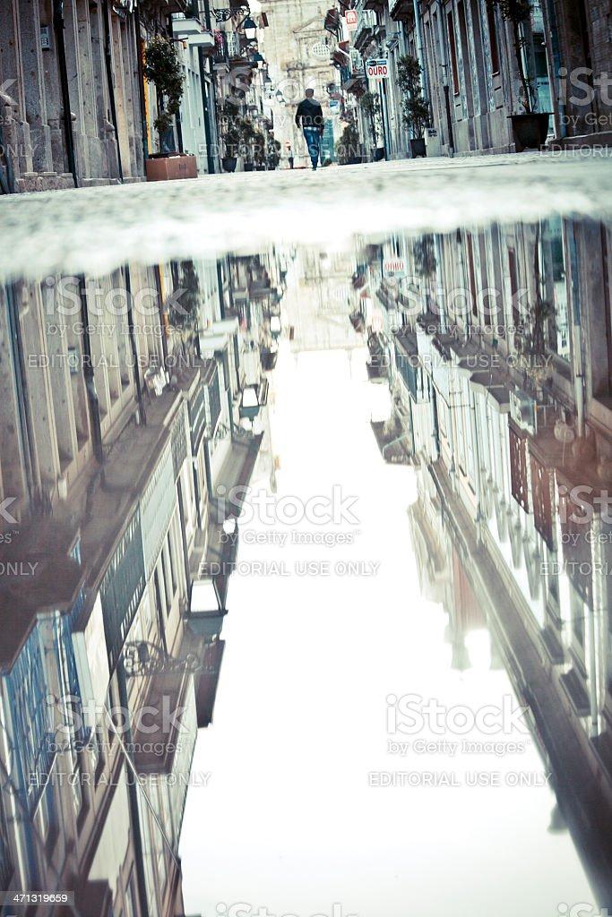 Altstadt widerspiegelt. – Foto
