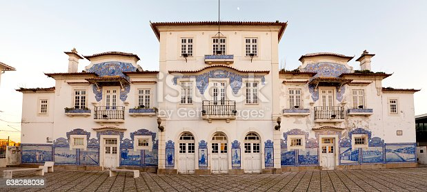 Old Train Station - The Aveiro Train Station is decorated with a set of tiled panels from the Fonte Nova Factory (1916), with regional motifs.