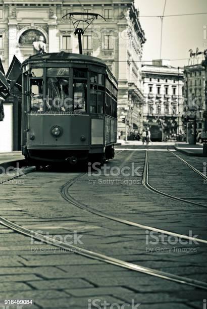 Old Tram In The Center Of Milan Italy - Fotografie stock e altre immagini di Ambientazione esterna