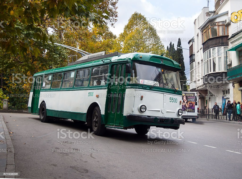 Old trolley Skoda 9tr rides on a narrow street foto stock royalty-free